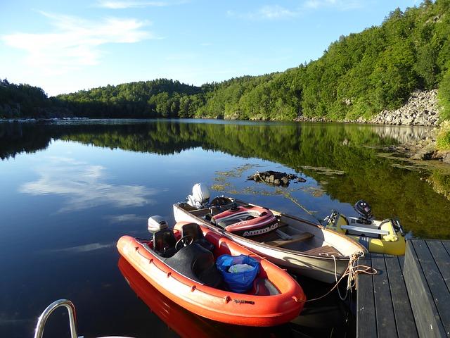 Fiberglass vs RIB boating dinghy